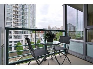 """Photo 9: 605 1067 MARINASIDE Crescent in Vancouver: Yaletown Condo for sale in """"QUAYWEST II"""" (Vancouver West)  : MLS®# V955642"""