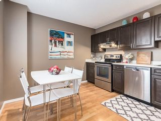 Photo 2: 1 3620 51 Street SW in Calgary: Glenbrook Row/Townhouse for sale : MLS®# C4198558