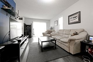 Photo 3: 53 EVERSYDE Point SW in Calgary: Evergreen Row/Townhouse for sale : MLS®# C4201757