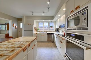 Photo 10: 2336 LONGRIDGE Drive SW in Calgary: North Glenmore Park Detached for sale : MLS®# C4272133