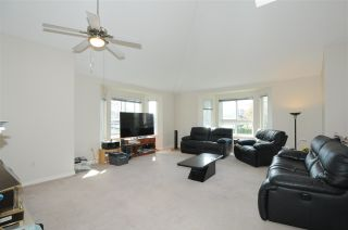 Photo 3: 213 19721 64 Avenue in Langley: Willoughby Heights Condo for sale : MLS®# R2575760