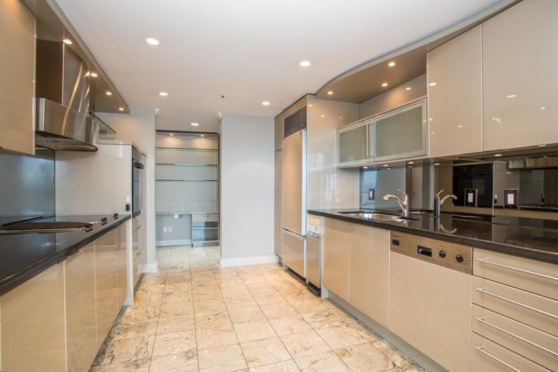 """Main Photo: 1002 1355 W BROADWAY in Vancouver: Fairview VW Condo for sale in """"THE BROADWAY"""" (Vancouver West)  : MLS®# R2623670"""
