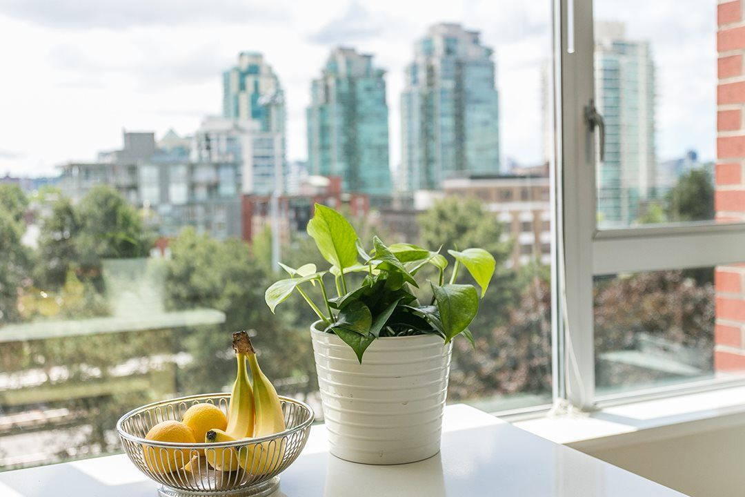 """Photo 11: Photos: 702 221 UNION Street in Vancouver: Strathcona Condo for sale in """"V6A"""" (Vancouver East)  : MLS®# R2372074"""
