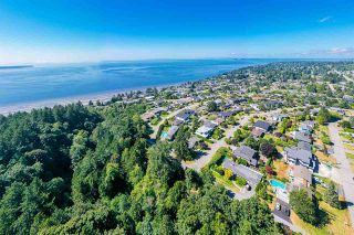 """Photo 7: 14528 SATURNA Drive: White Rock House for sale in """"Upper West White Rock"""" (South Surrey White Rock)  : MLS®# R2483571"""