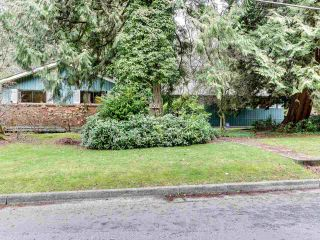 Photo 2: 909 SEYMOUR Boulevard in North Vancouver: Seymour NV House for sale : MLS®# R2541431
