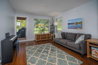 """Photo 2: 305 500 ROYAL Avenue in New Westminster: Downtown NW Condo for sale in """"Dominion"""" : MLS®# R2617235"""