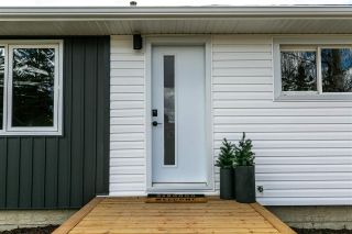 Photo 2: 11007 160 Street in Edmonton: Zone 21 House for sale : MLS®# E4242599