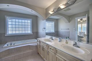Photo 14: 1689 HECTOR Road in Edmonton: Zone 14 House for sale : MLS®# E4247485