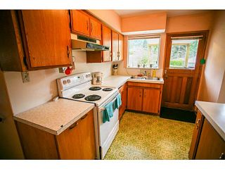 Photo 12: 4378 CHEVIOT Road in North Vancouver: Forest Hills NV House for sale : MLS®# V1111023