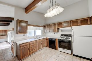 Photo 6: 2740 LIONEL Crescent SW in Calgary: Lakeview Detached for sale : MLS®# C4303561