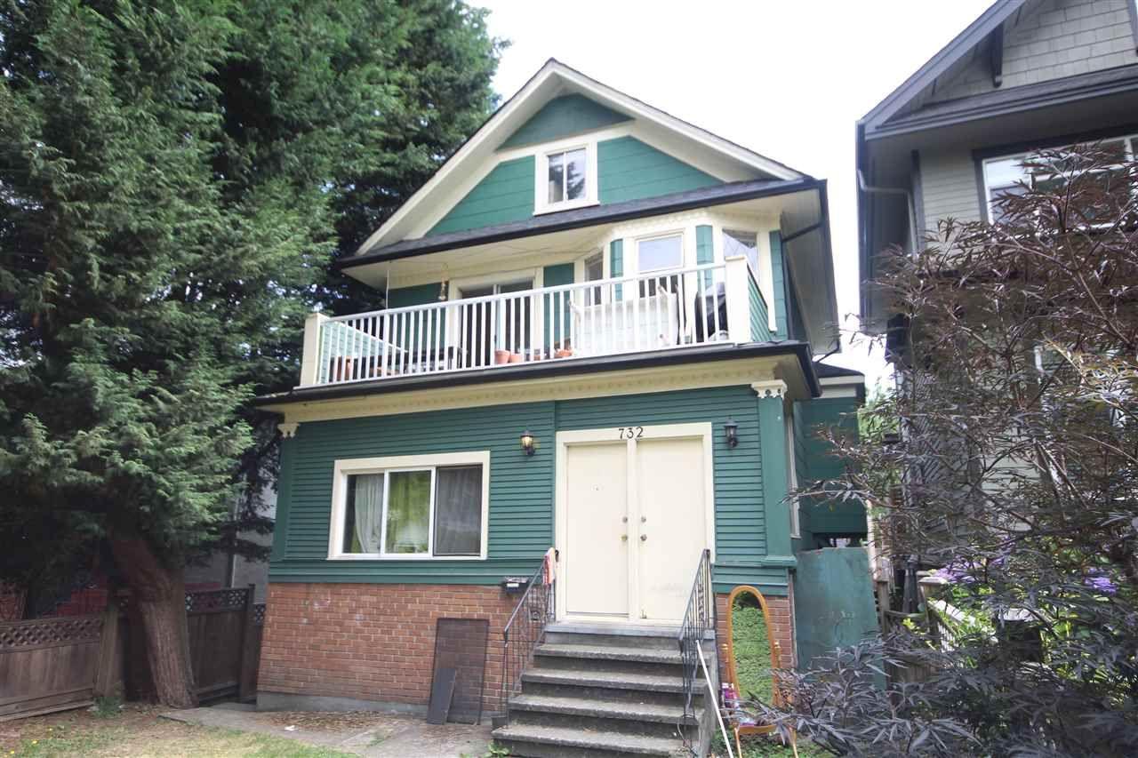 Main Photo: 732 E 10TH Avenue in Vancouver: Mount Pleasant VE Triplex for sale (Vancouver East)  : MLS®# R2401960