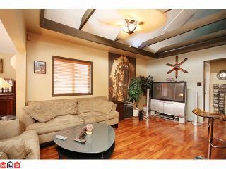 Photo 1: 15506 VICTORIA Avenue: White Rock House for sale (South Surrey White Rock)  : MLS®# F1025203