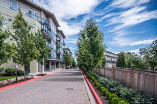"Photo 2: 311 13919 FRASER Highway in Surrey: Whalley Condo for sale in ""Verve"" (North Surrey)  : MLS®# R2427311"