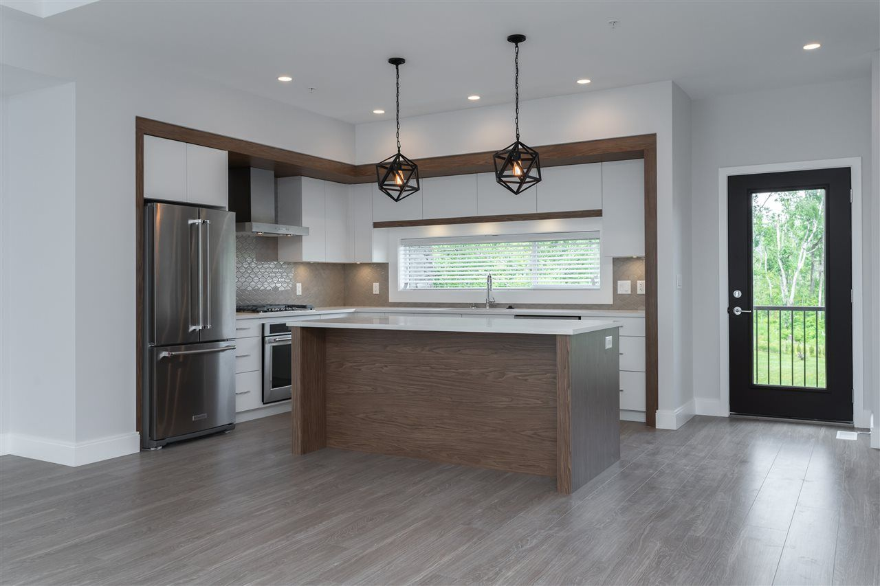 """Photo 2: Photos: 27 33209 CHERRY Avenue in Mission: Mission BC Townhouse for sale in """"58 on CHERRY HILL"""" : MLS®# R2396011"""
