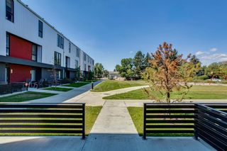 Photo 2: 205 Bow Grove NW in Calgary: Bowness Row/Townhouse for sale : MLS®# A1138305