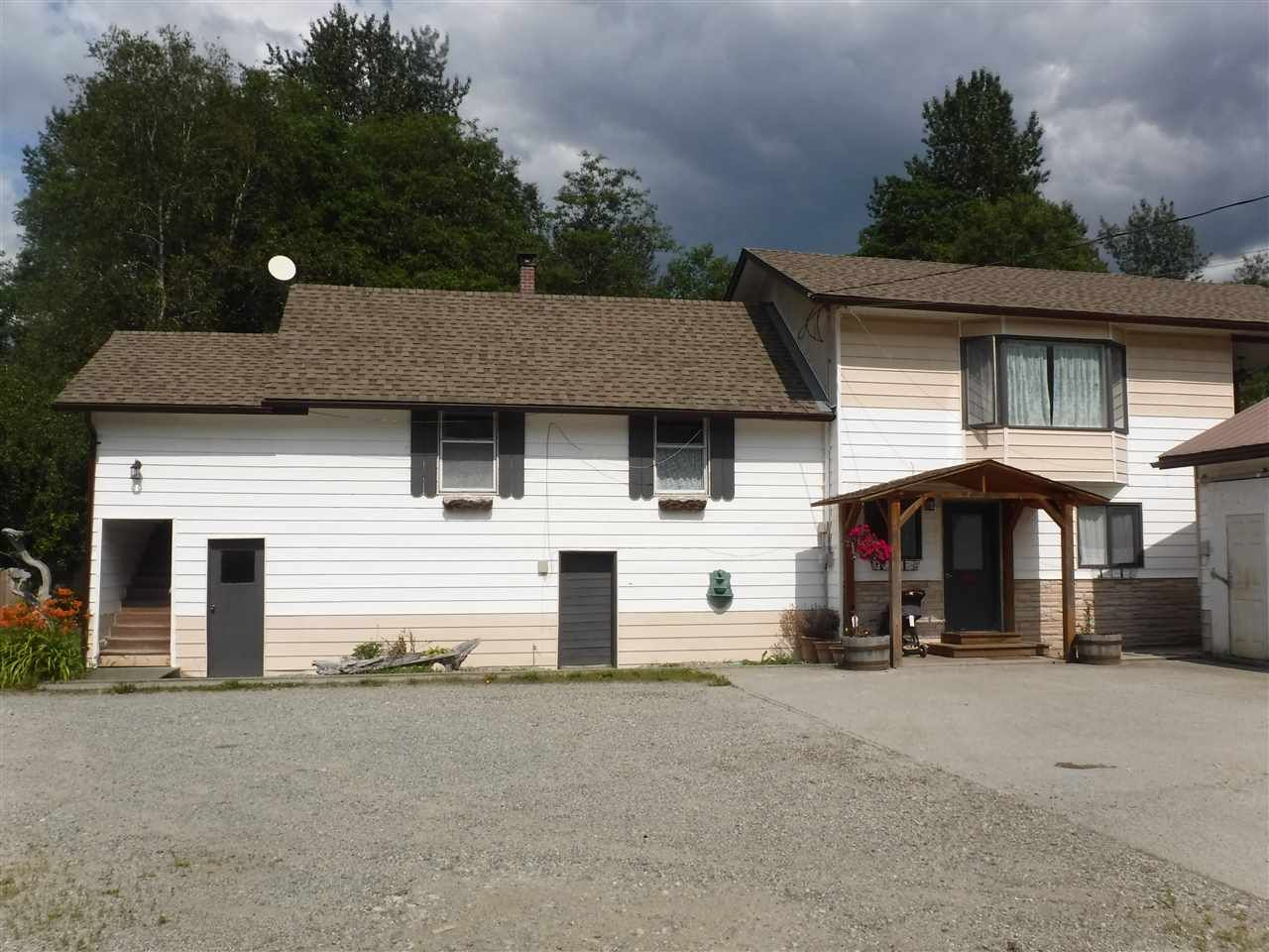 Photo 1: Photos: 1621 MACKENZIEY 20 Highway in Bella Coola: Bella Coola/Hagensborg House for sale (Williams Lake (Zone 27))  : MLS®# R2386428