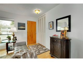 Photo 2: 6224 LONGMOOR Way SW in Calgary: Lakeview House for sale