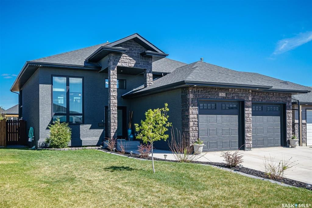 Main Photo: 424 Player Crescent in Warman: Residential for sale : MLS®# SK855844