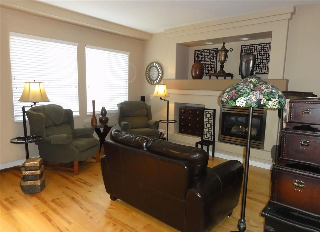 """Photo 7: Photos: 5883 148A Street in Surrey: Sullivan Station House for sale in """"Panorama Village"""" : MLS®# R2032102"""