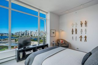 """Photo 26: 1702 1708 COLUMBIA Street in Vancouver: Mount Pleasant VW Condo for sale in """"Wall Centre False Creek"""" (Vancouver West)  : MLS®# R2580995"""