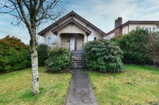 Photo 2: 2896 E GEORGIA STREET in Vancouver: Renfrew VE House for sale (Vancouver East)  : MLS®# R2527684
