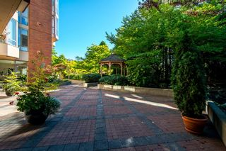 """Photo 40: 1001 160 W KEITH Road in North Vancouver: Central Lonsdale Condo for sale in """"VICTORIA PARK WEST"""" : MLS®# R2115638"""
