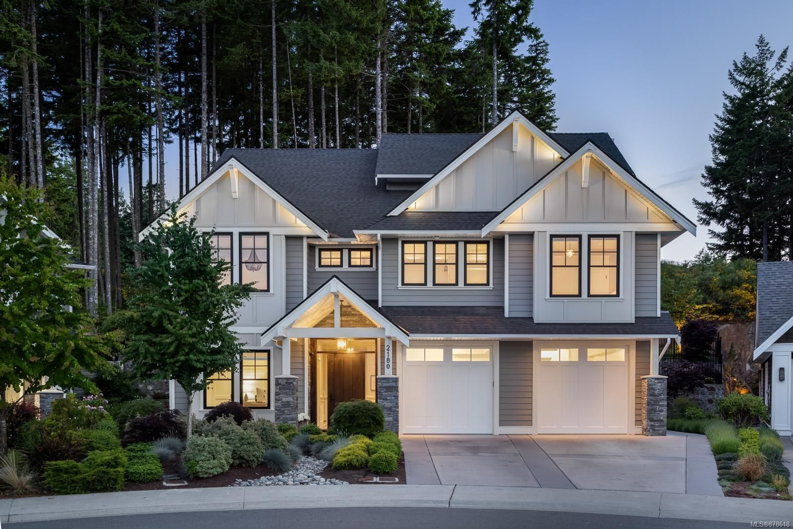 Main Photo: 2180 Champions Way in : La Bear Mountain House for sale (Langford)  : MLS®# 878618
