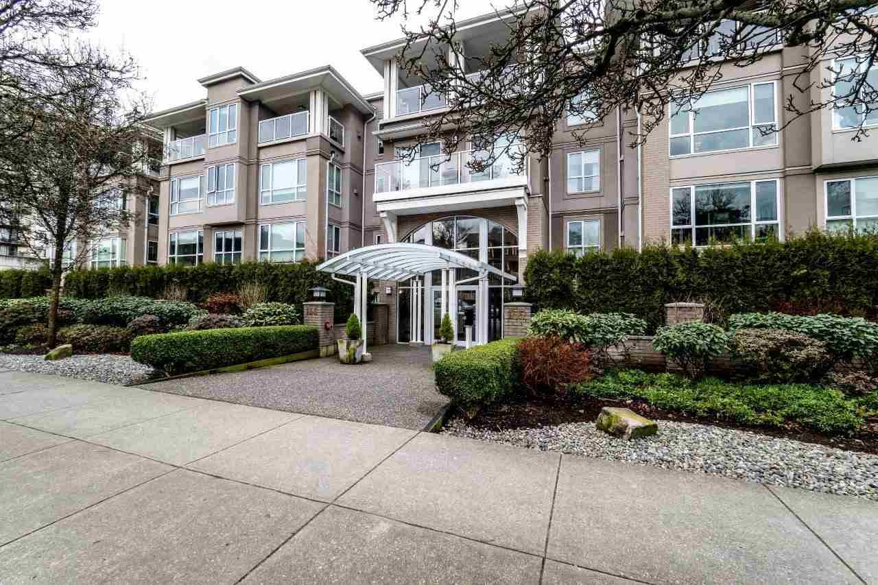 "Main Photo: 113 155 E 3RD Street in North Vancouver: Lower Lonsdale Condo for sale in ""The Solano"" : MLS®# R2244592"