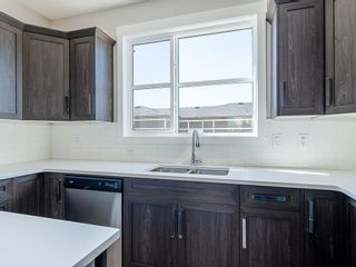 Photo 4: 33 SKYVIEW Parade NE in Calgary: Skyview Ranch Row/Townhouse for sale : MLS®# C4296504