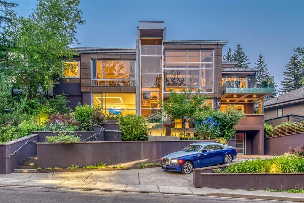 Main Photo: 2906 Marquette Street SW in Calgary: Upper Mount Royal Detached for sale : MLS®# A1135789