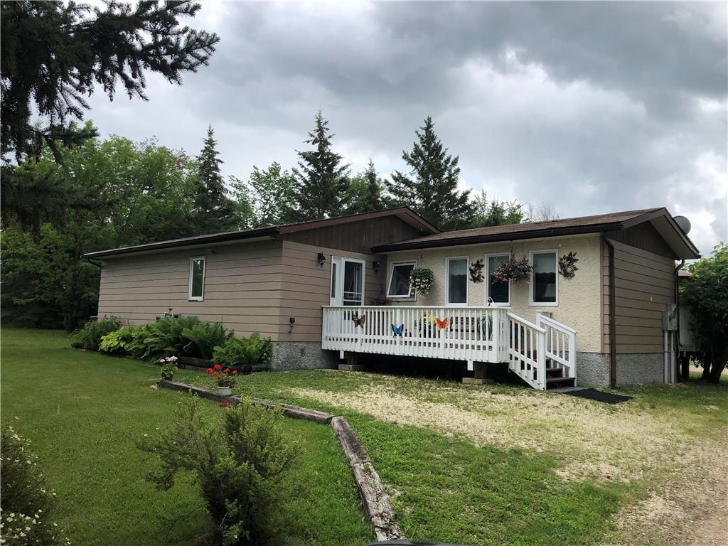 Main Photo: 18 Northshore Road in Pine Falls: R27 Residential for sale : MLS®# 1920028