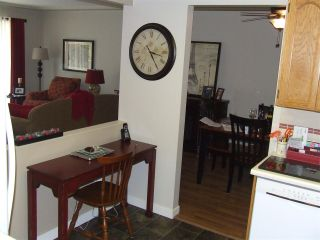 """Photo 3: 207 33401 MAYFAIR Avenue in Abbotsford: Central Abbotsford Condo for sale in """"MAYFAIR GARDENS"""" : MLS®# R2194662"""