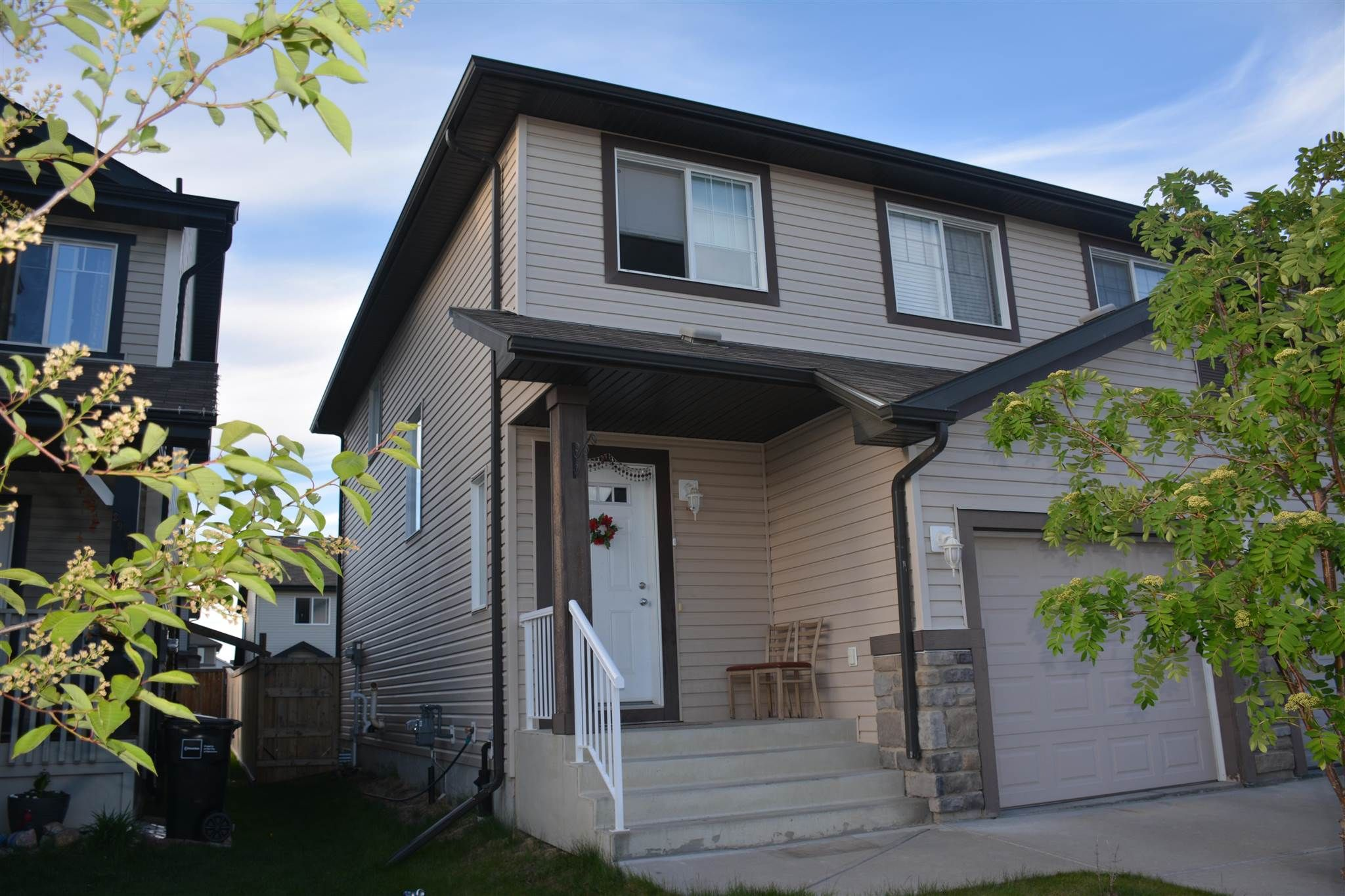 Main Photo: 2934 16A Avenue in Edmonton: Zone 30 House Half Duplex for sale : MLS®# E4246925