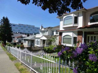 Photo 3: 2655 RENFREW STREET in Vancouver: Renfrew VE House for sale (Vancouver East)  : MLS®# R2067647