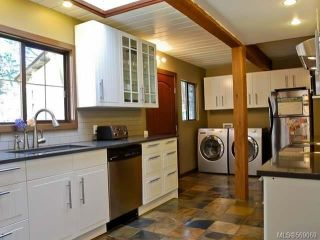 Photo 3: 1077 LAZO ROAD in COMOX: Z2 Comox Peninsula House for sale (Zone 2 - Comox Valley)  : MLS®# 569069