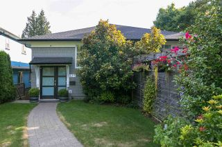 Photo 1: 415 E 4TH Street in North Vancouver: Lower Lonsdale 1/2 Duplex for sale : MLS®# R2481206