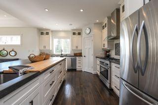 Photo 5: 1422 Lupin Dr in Comox: CV Comox Peninsula House for sale (Comox Valley)  : MLS®# 884948