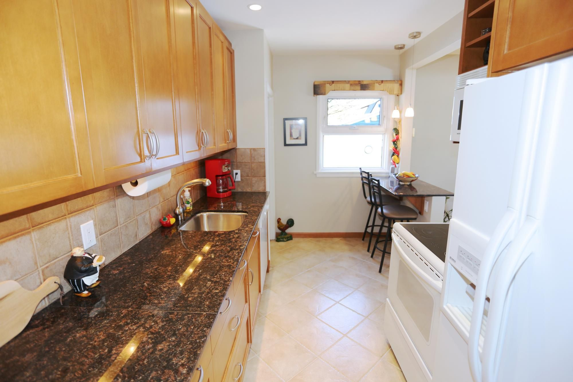 Photo 11: Photos: 349 Guildford Street in Winnipeg: St James Single Family Detached for sale (5E)  : MLS®# 1807654