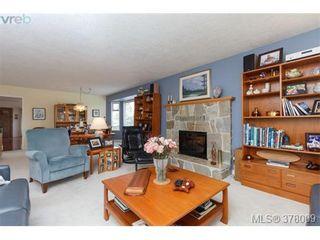 Photo 5: 926 Mesher Pl in VICTORIA: Es Kinsmen Park House for sale (Esquimalt)  : MLS®# 758950