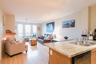 """Photo 2: 218 1211 VILLAGE GREEN Way in Squamish: Downtown SQ Condo for sale in """"Rockcliff"""" : MLS®# R2456399"""