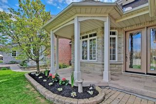 Photo 4: 38 Mackey Drive in Whitby: Lynde Creek House (2-Storey) for sale : MLS®# E4763412