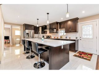 """Photo 4: 17345 63A Avenue in Surrey: Cloverdale BC House for sale in """"Cloverdale"""" (Cloverdale)  : MLS®# R2446374"""