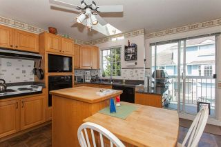 """Photo 8: 4 13958 72 Avenue in Surrey: East Newton Townhouse for sale in """"Upton Place North"""" : MLS®# R2201610"""