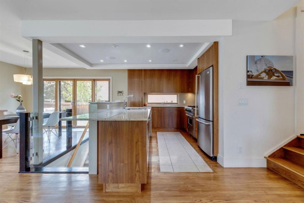 Bright modern kitchen with lots of storage, and high-end appliances