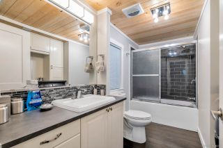Photo 5: 38 13507 81 AVENUE in Surrey: Queen Mary Park Surrey Manufactured Home for sale : MLS®# R2501558