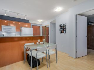 """Photo 7: 803 2763 CHANDLERY Place in Vancouver: Fraserview VE Condo for sale in """"RIVER DANCE"""" (Vancouver East)  : MLS®# R2067616"""