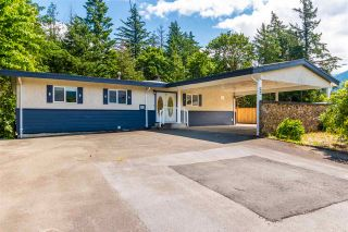 Photo 3: 415 7TH Avenue in Hope: Hope Center House for sale : MLS®# R2464832