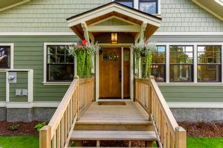 Photo 1: 953 Laurier Avenue in Kelowna: Kelowna South House for sale (Central Okanagan)  : MLS®# 10213796