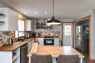 Photo 2: B 223 Mitchell Pl in Courtenay: CV Courtenay City Half Duplex for sale (Comox Valley)  : MLS®# 882875