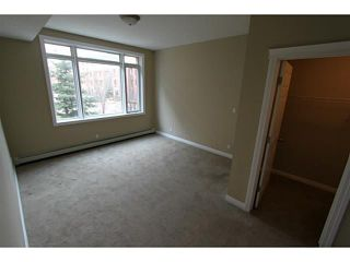 Photo 7: 3205 24 HEMLOCK Crescent SW in CALGARY: Spruce Cliff Condo for sale (Calgary)  : MLS®# C3554343